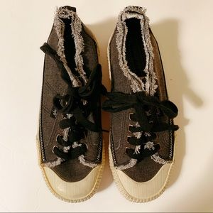 American eagle distressed  shoes size 6🌺🌺🌺